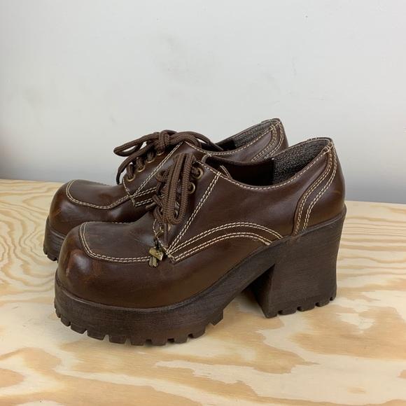 Soda Shoes   9s Y2k Platform Lace Up